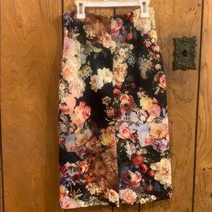 New York & Company Skirts - Ny&CO NWT floral pencil skirt
